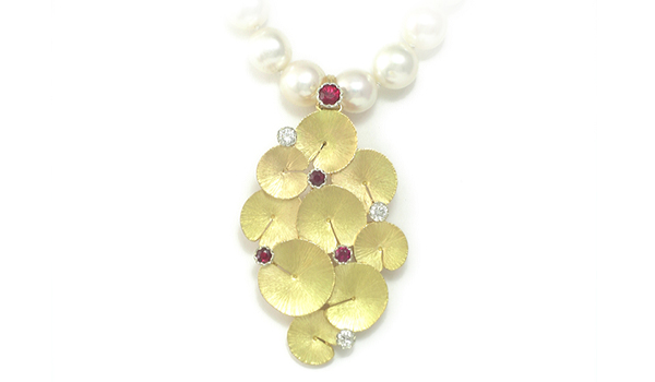 Jewelry commissions - Martinus' take on lilli blossoms in yellow gold, rubies and diamond