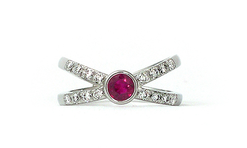 Lumaru-ruby-and-diamond-ring-white-gold