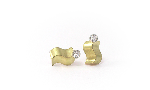 Ear Stud Earrings in yellow gold and diamonds